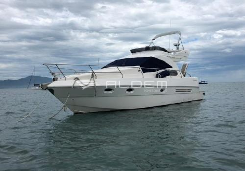 Intermarine 380 Full Fly